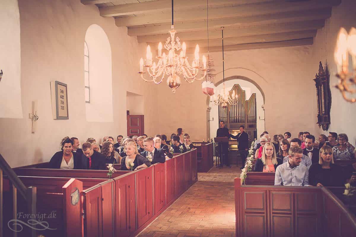 goedvad-kirke-bryllupsfoto-1-15