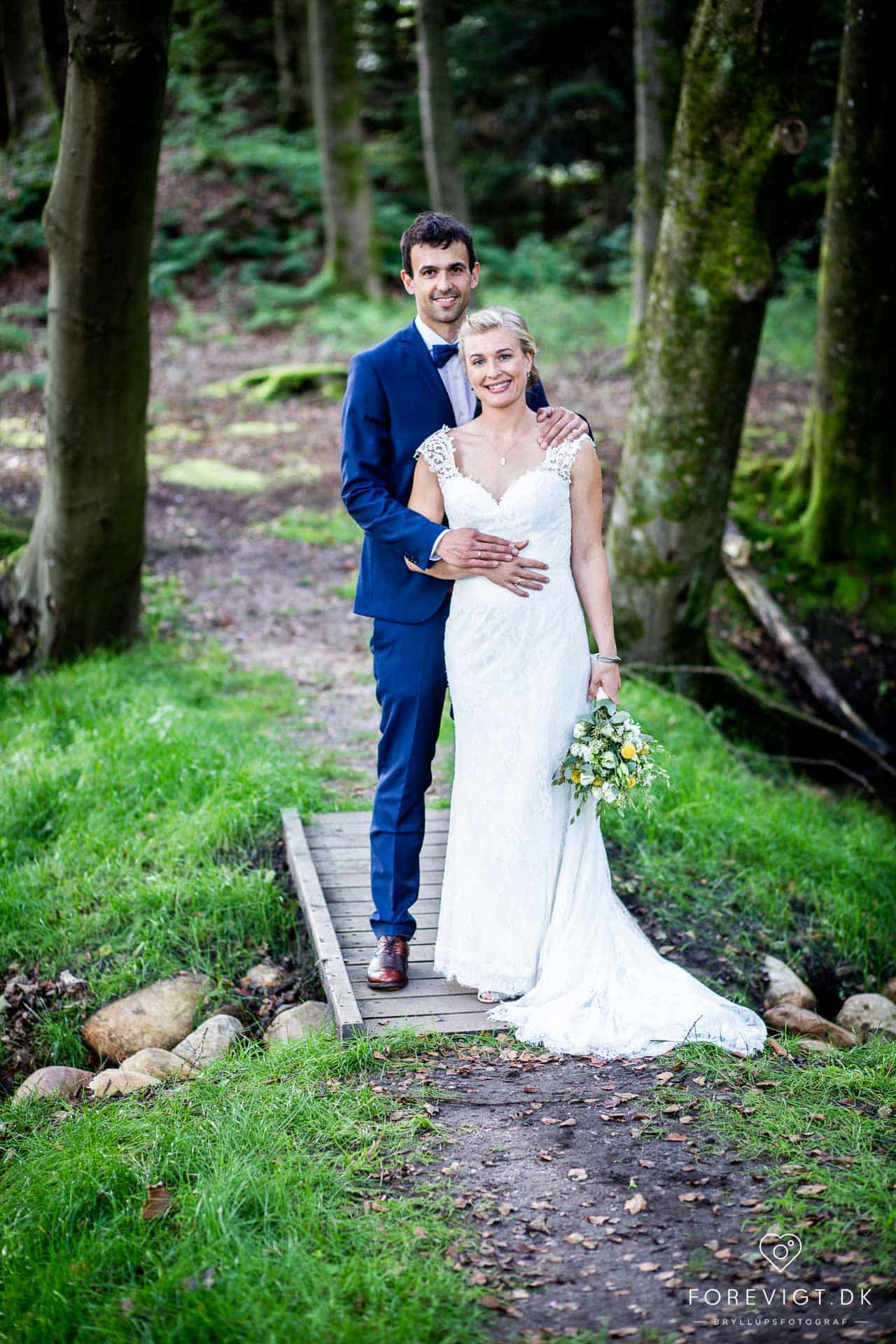 Find fotografen her – lær billedstilen | Bryllupsbilleder