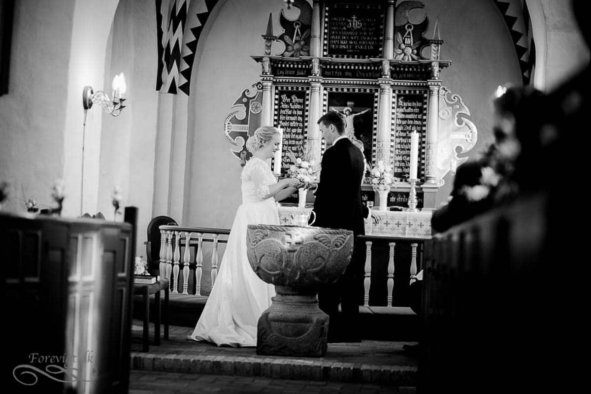 goedvad-kirke-bryllupsfoto-1-22