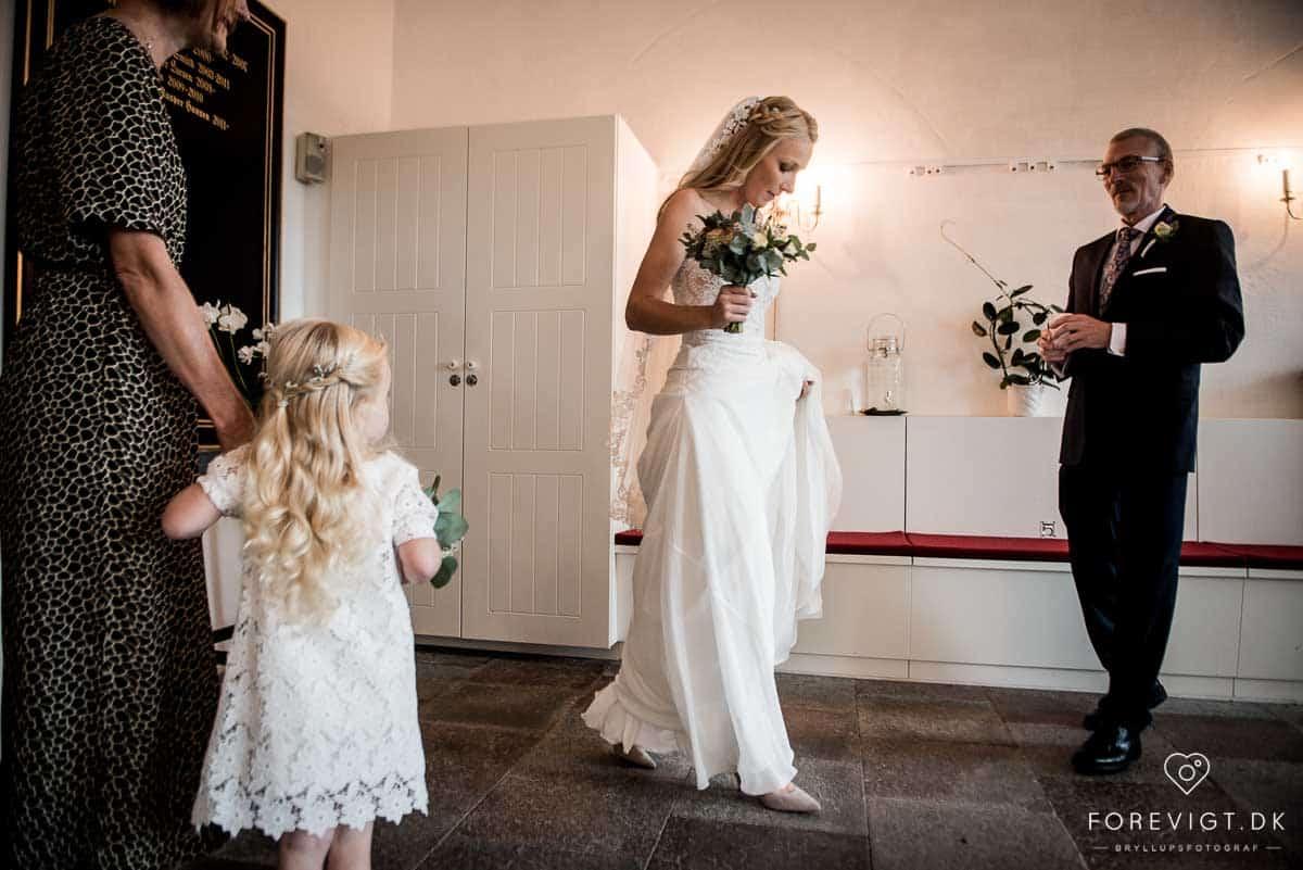 bruden i herfølge kirke