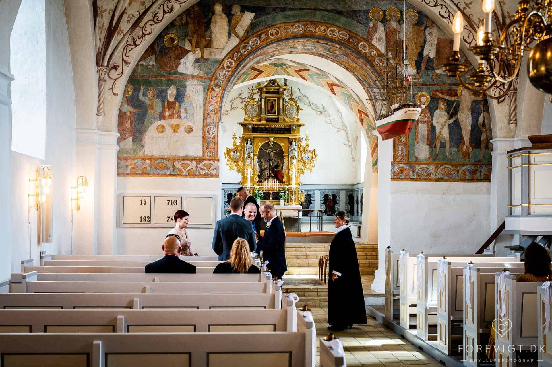 Det store ja og vielse i Jørlunde Kirke