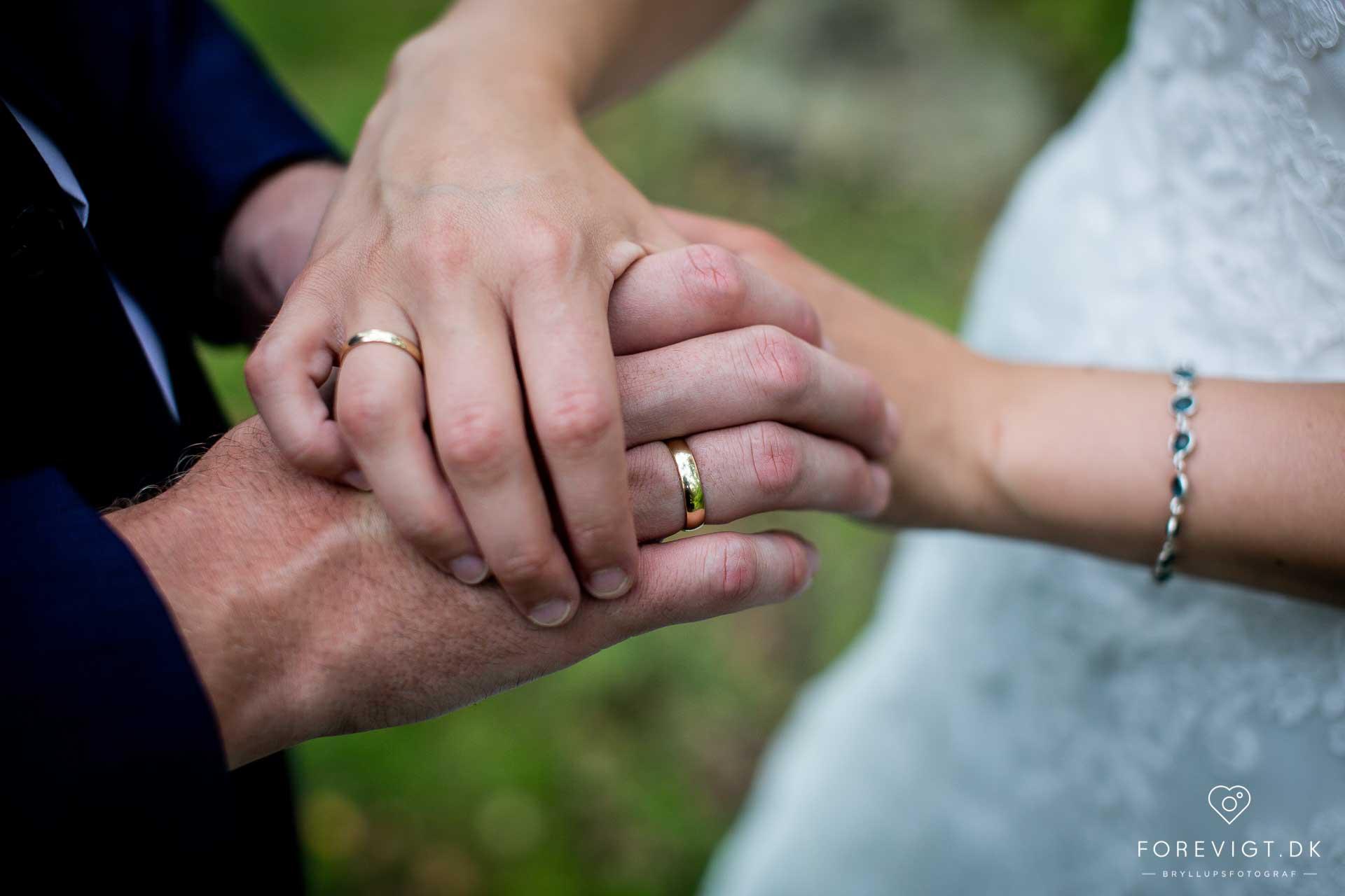 vielsesringe bryllupsbilleder fra Nordjylland