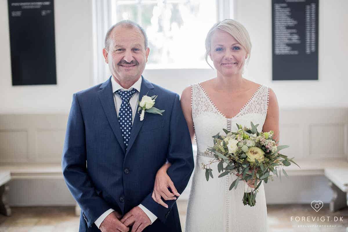 bruden med sin far