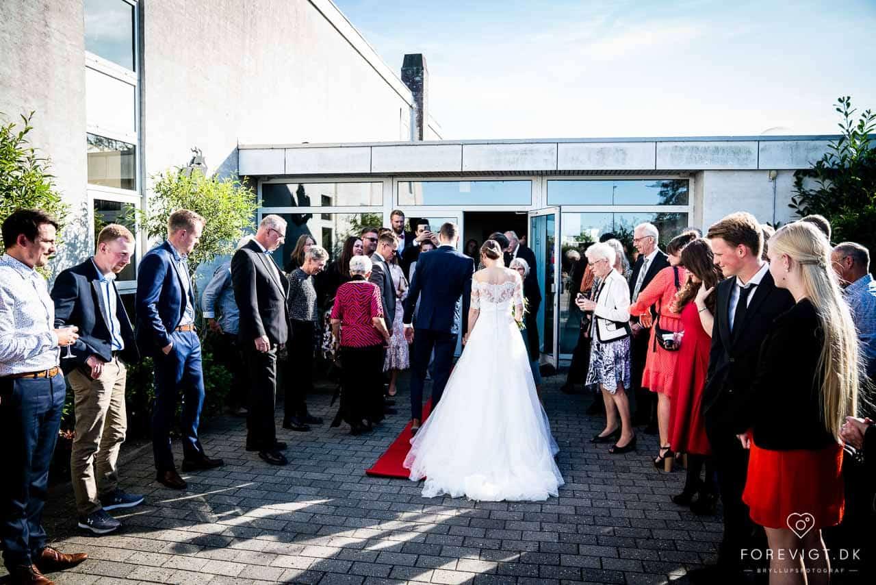 Bryllup på gaarden