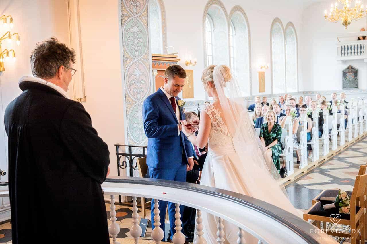 Bloggernes bryllup på stranden   Stilfuldt, nordisk, romantisk