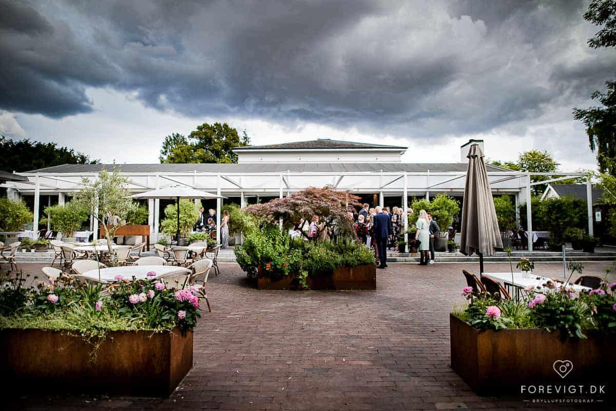 Bryllupsmiddag og fest i Josty på Frederiksberg | Fotograf