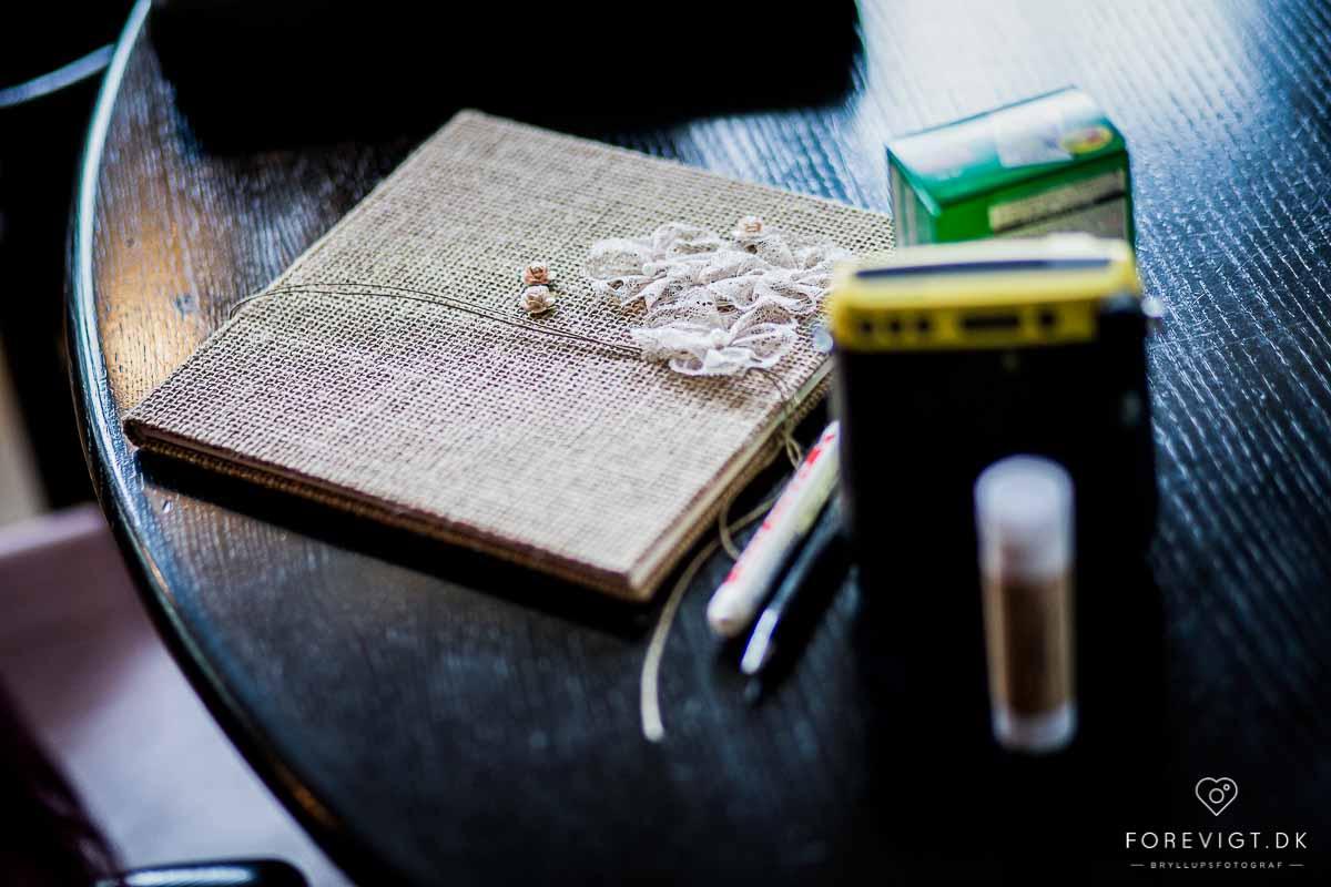 Som Bryllupsfotograf bestræber jeg mig på at fotografering af brudepar skal være både sjovt og hyggeligt