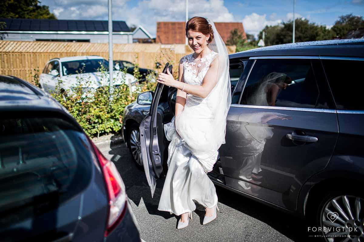 den moderne og klassiske stil som bryllupsfotograf