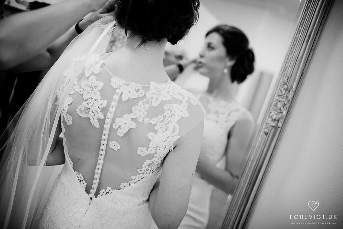 udnævnt til at være blandt landets bedste bryllupsfotografer