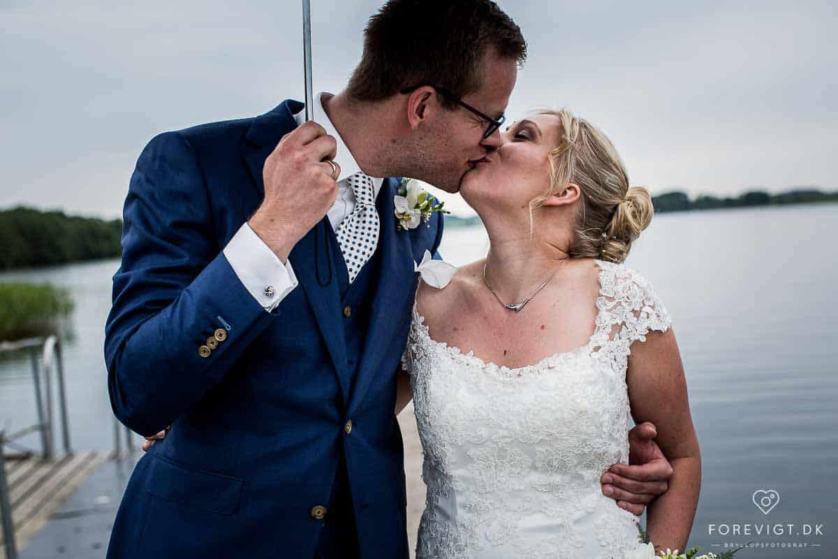 de smukke bryllupsbilleder, og så brudeparret