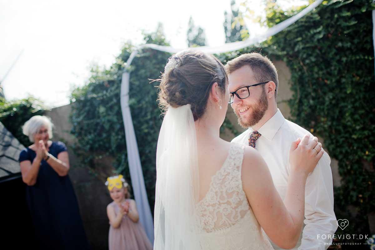 Haderslev Bryllupsfotograf | Specialiseret fotograf til bryllup · Sommerbryllup